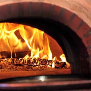 Pulizia forno pizza e forni a legna